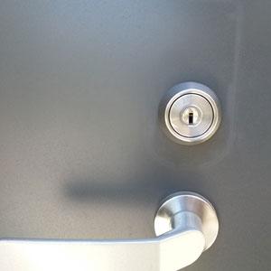 イージスゲートからMIWAのディンプルキーに戻した玄関ドア