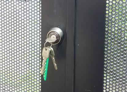 マンションの共用部の扉の鍵