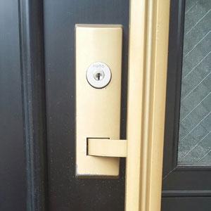 新居の玄関についたプッシュプル錠の鍵をKABAのカバエースに交換