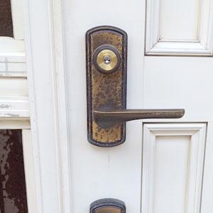 MIWAのロータリーディスクシリンダーU9に交換した玄関ドア