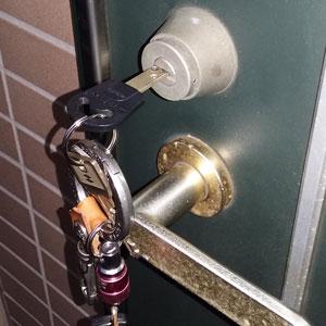 KABAのカバエースシリンダーに交換をしたマンションの玄関ドア