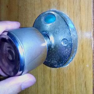 トイレドアの鍵