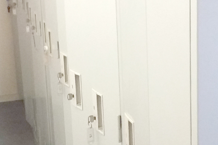 従業員の更衣室ロッカー