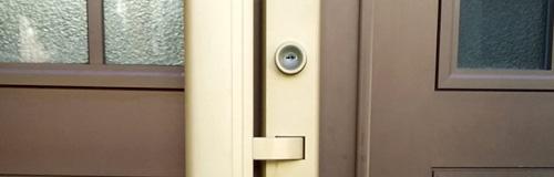 一戸建ての玄関ドア